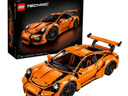 Score this discounted Lego Technic Porsche 911 GT3 RS set at $50 off