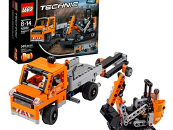 This $18 Lego Technic Roadwork Crew set is down to a new low price