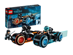 Piece together two Light Cycles with this $28 Lego Ideas Tron: Legacy set