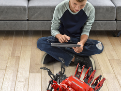 Build a robot that'll come to life with Meccano's $38 MeccaSpider Kit