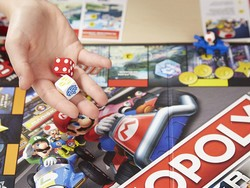 Leave your friends spinning in circles with the $10 Mario Kart version of Monopoly