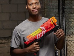 Pelt your loved ones with the Nerf Rival Artemis blaster for $25