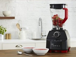 This $140 Oster Versa blender has tons of features for a budget price