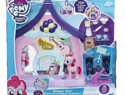 Surprise your MLP fan with this $8 Pinkie Pie Beats & Treats Magical Classroom playset