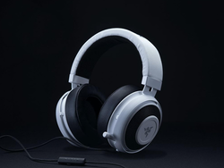 Step up your game with Razer's $80 Kraken Pro V2 headset and a free headset stand