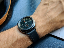 Keep track of your fitness goals with the $230 Samsung Gear Sport smartwatch