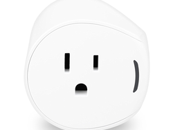 Control the $20 Samsung SmartThings Outlet with your smartphone or voice