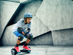 Give the kids a Swagtron Swagboard Pro Hoverboard Scooter for $200
