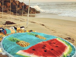 These $7 Terry Time Beach Towels will be your new fave travel companion