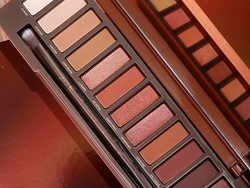 Here's how to score 50% off the Urban Decay Naked Heat palette