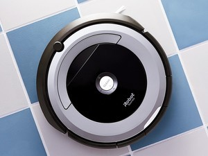 Schedule iRobot's $300 Roomba 690 to clean for you right from your phone