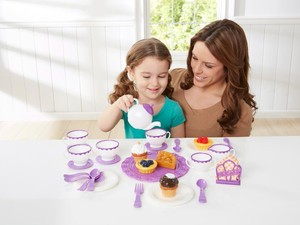 Stock up on Christmas gifts with this awesome sale at Toys R Us