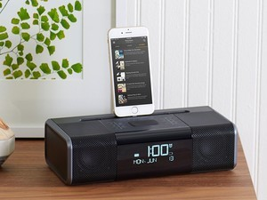 Blast the radio & music from Lightning devices with an inexpensive boombox