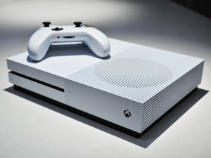 Grab a 500GB Xbox One S bundle, an extra controller, and new games for $249