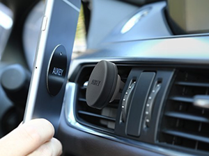 Keep your phone secured during your drive with Aukey's $5 Air Vent Mount