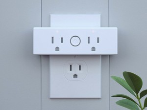 Aukey's $20 Mini Wi-Fi Plug adds smart functionality to two things at once