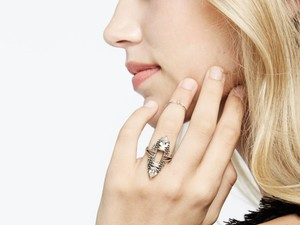Score beautiful jewelry from $10 shipped with Baublebar's sale section