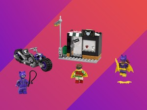 The Lego Batman Movie Catwoman Catcycle Chase is now $12