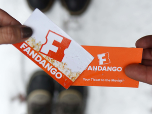 Save $5 off two movie tickets at Fandango with Apple Pay this weekend only
