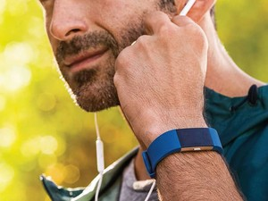 Be beach-body ready with a $105 Fitbit Charge 2 fitness tracker