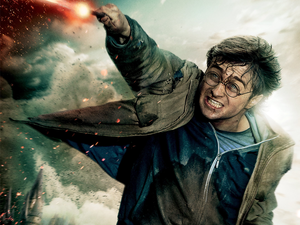 Return to Hogwarts in 4K UHD with the $80 Harry Potter 8-film Collection