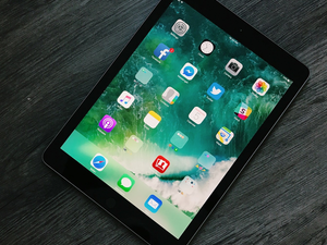Christmas is coming, and this 9.7-inch 128GB Apple iPad is down to $349