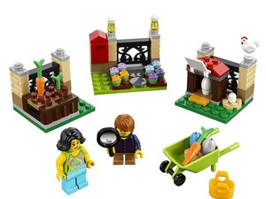 Build a mini Easter egg hunt with this $10 Lego kit