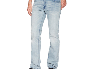 Score a new wardrobe with up to 50% off Levi's & Dockers today at Amazon