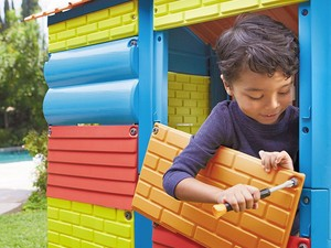 This Little Tikes Build-a-House kit is cooler than a pillow fort