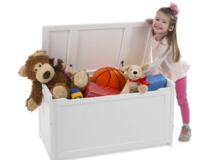 Store all those gifts in this $54 Melissa & Doug Wooden Toy Chest