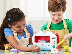 Have a blast making pretend food with this $16 Play-Doh Kitchen Creations Magical Oven set