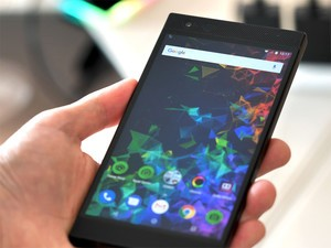 The awesome Razer Phone 2 is made for gamers and $200 off right now