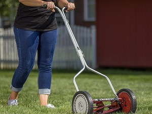 This American Lawn Mower push reel mower is just $59 right now