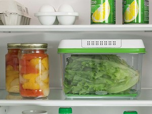 Keep your produce from wilting with this $8 Rubbermaid container