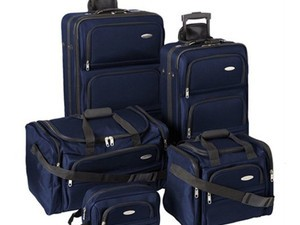 Update your old luggage with this $99 Samsonite 5-piece set