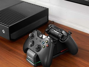 Keep two Xbox One controllers going at all times with this $23 AmazonBasics charging station