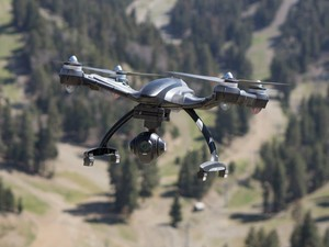 The Yuneec Q500 4K quadcopter is down to $375 refurbished today only