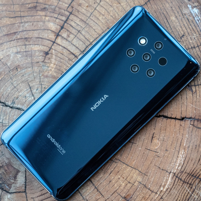Snatch the best offer yet on the unlocked Nokia 9 PureView featuring five rear cameras