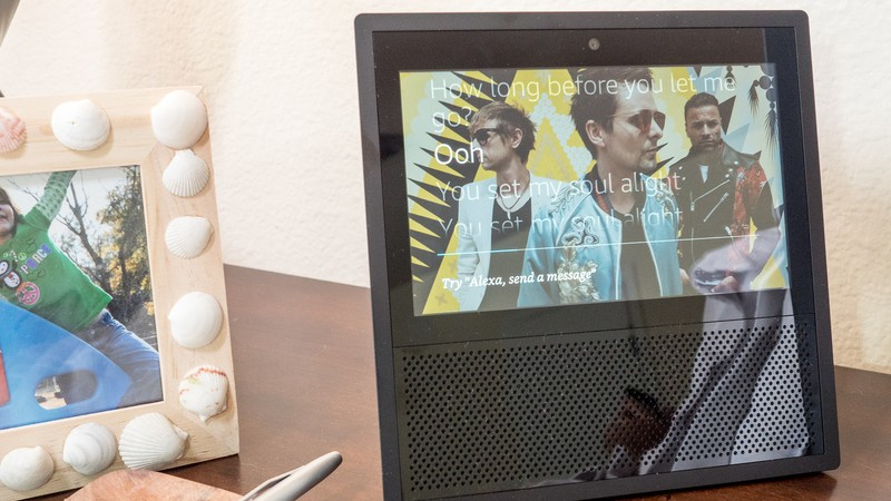 Bundle a refurb Amazon Echo Show with a Ring Video Doorbell Pro for $125
